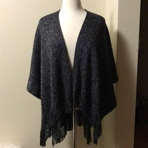 Step in style poncho black with silver accent